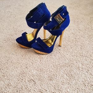 QUPID BLUE & GOLD SUEDE HEELS...SIZE 9